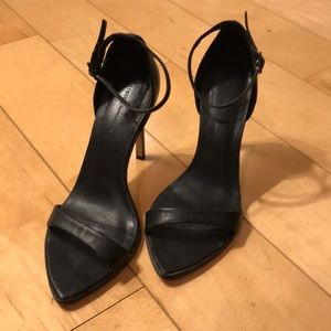 Zara black leather simple strap sandals sz 38